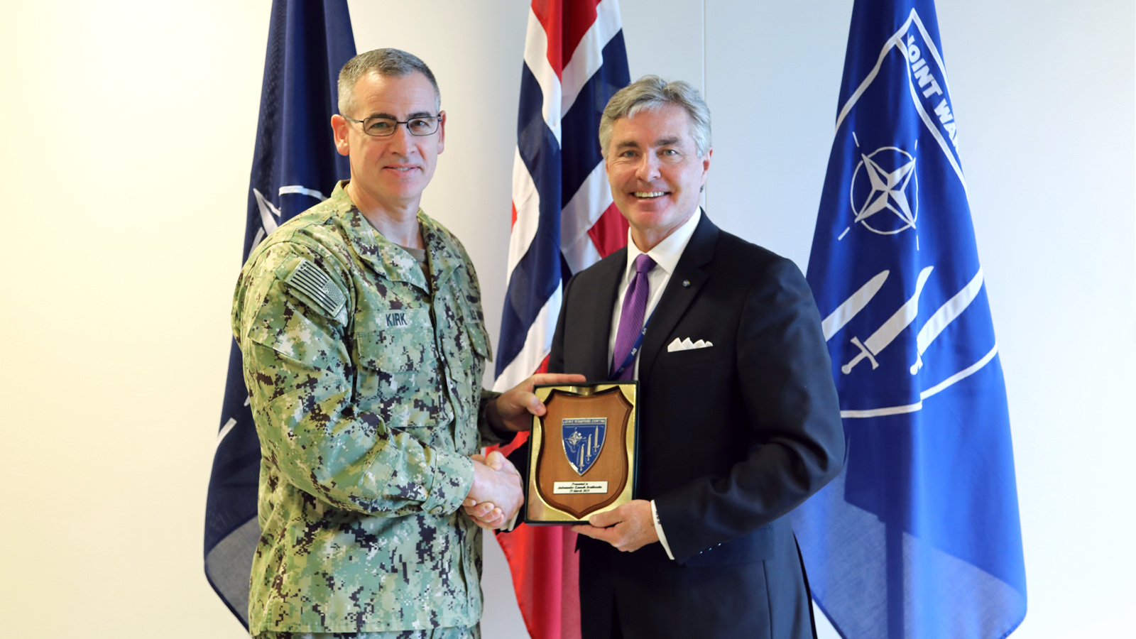 The U.S. Ambassador to Norway visits JWC