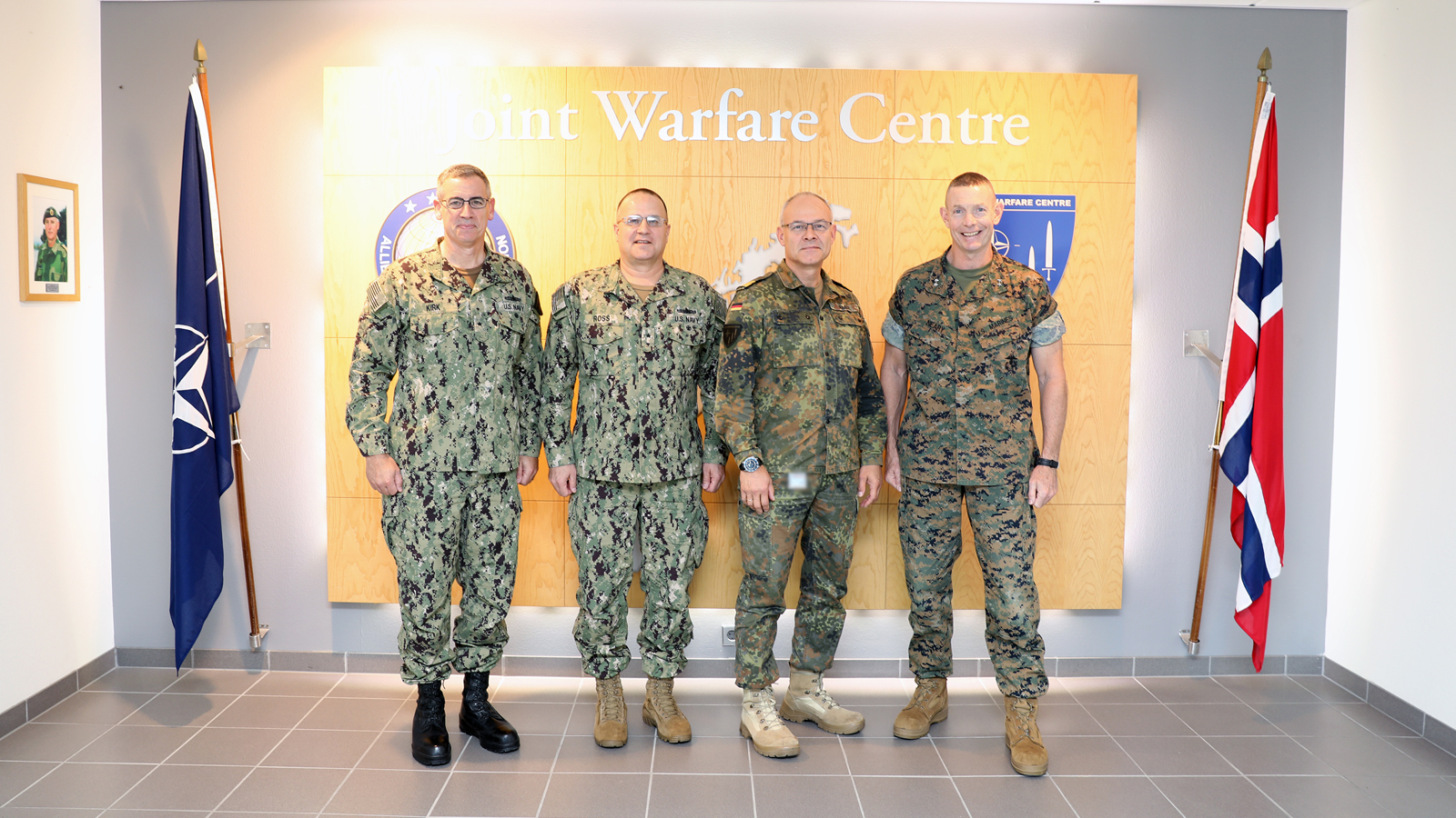 Commander, Expeditionary Strike Group Two and Commanding General, 2nd Marine Expeditionary Brigade visit Joint Warfare Centre