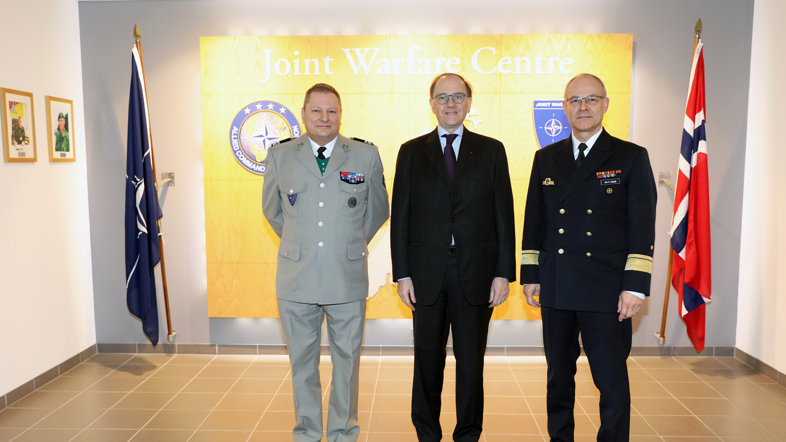 NATO Joint Warfare Centre welcomes the French Ambassador