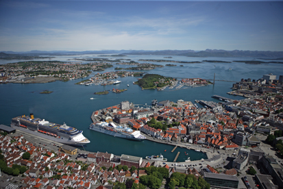 "<strong><font size=""2"">Stavanger Port</strong><br /> View of the Port</font>"