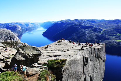 "<strong><font size=""2"">Preikestolen</strong><br /> View of the Pulpit Rock</font>"